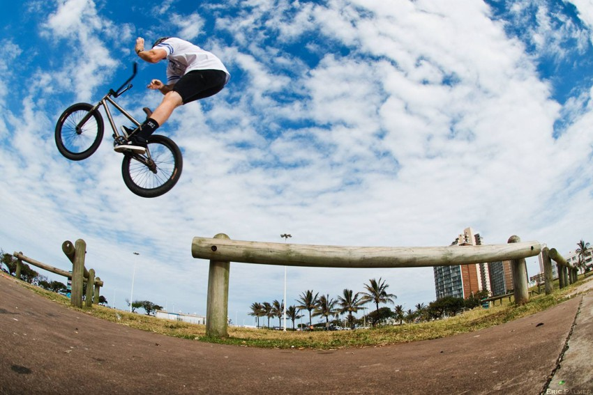 Colin Loudon - Rail ride bar - Photo: Eric Palmer