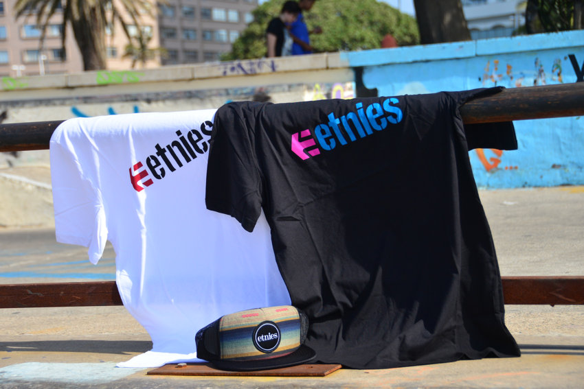 Etnies Corperate 14 Shirt Black or White R250    -    Etnies Bonsai Mesh R265