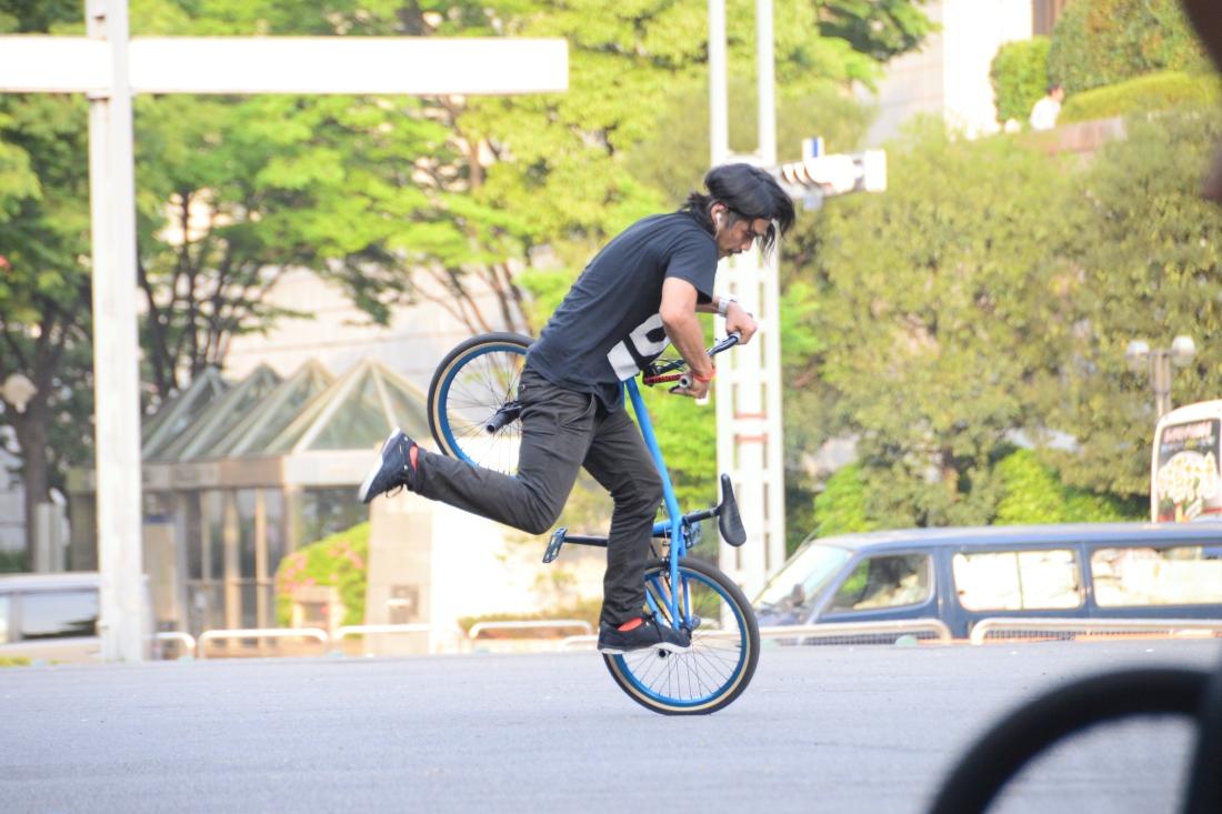 Hiroshi in action at Shinjuku Central Park.