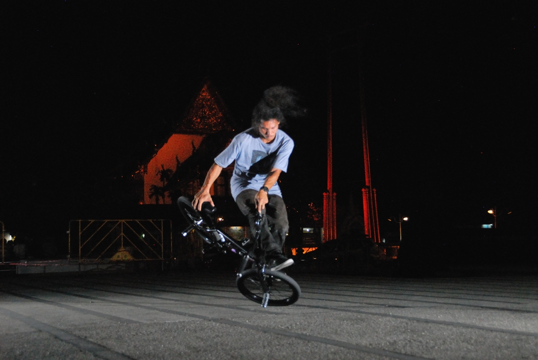 Toon is one of Thailand's famous Pro Flatland riders.