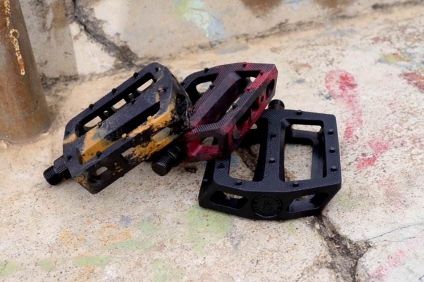 All new Fit Macintosh PC pedals. Check those colours bruh! Black/ Burgundy mix, Black/ Gum mix and all Black.